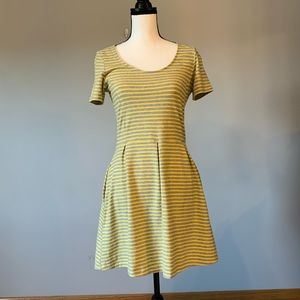 Levi's Dress in Size small yellow and gray